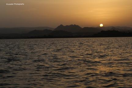 The mesmerizing sun setting in the lap of the Aravallis